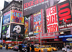 Broadwaytheatresigns